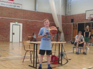 Robin Gradowski wurde als bester Spieler der Saison geehrt. // Foto: USC Magdeburg