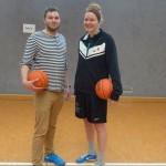 BVSA Vorstand Philipp Streit mit Division-1-Spielerin Anna Heise // Foto: Hebner