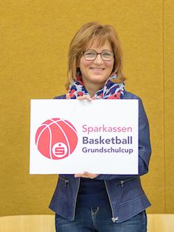 Die Sparkasse Dessau  ist ab sofort Titelsponsor des Grundschulcups. // Foto: Hartmut Bösener