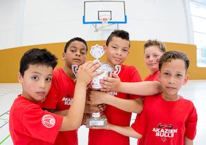 Sieger im Sparkassen Grundschulcup: Die Akazien Bulls aus Dessau. // Foto: Hartmut Bösener