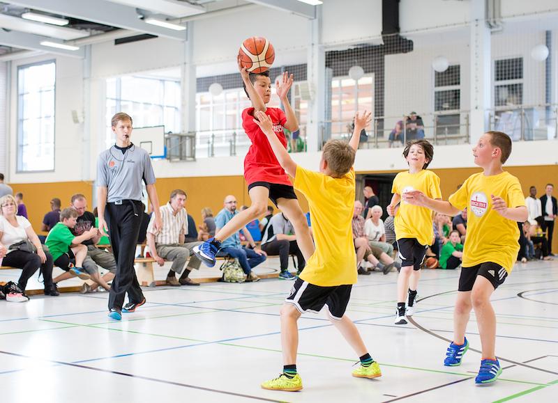 Am Sonntag wurden in der Dessauer Sporthalle am Philanthropinum die Meistertitel in der Staffel Anhalt vergeben. // Foto: Hartmut Bösener
