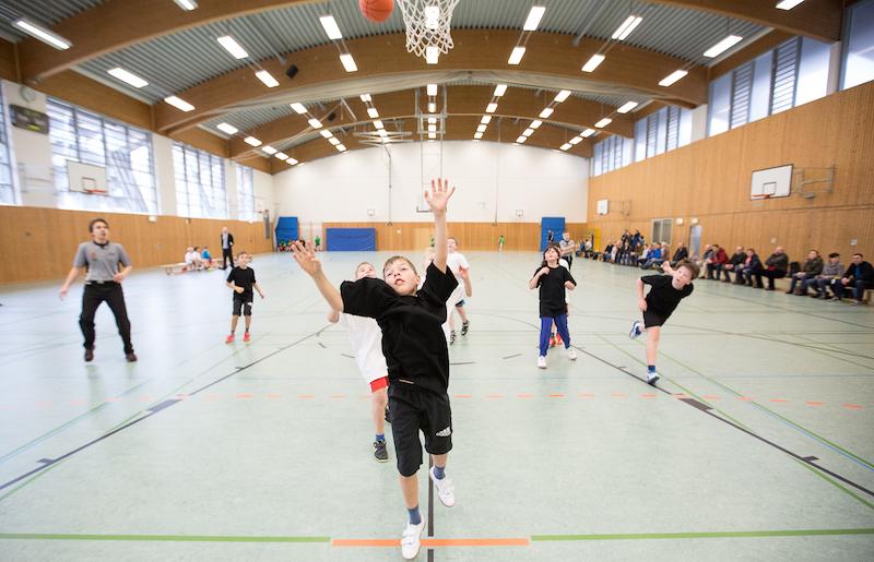 Die Sporthalle des Liborius-Gymnasiums ist Austragungsort des zweiten  Saisonturniers des Sparkassen Grundschulcups. // Foto: Hartmut Bösener