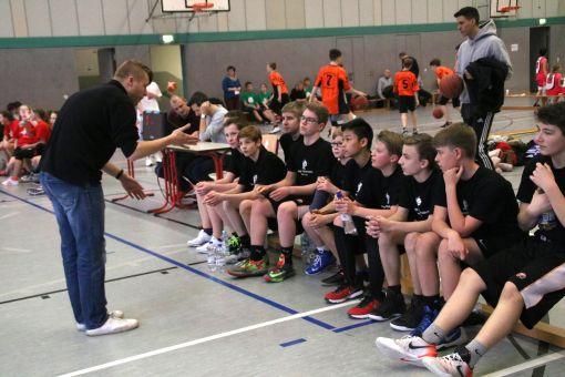 Den ein oder anderen Tipp gibt es für die Teilnehmer vom Trainer mit auf den weg. // Foto: privat