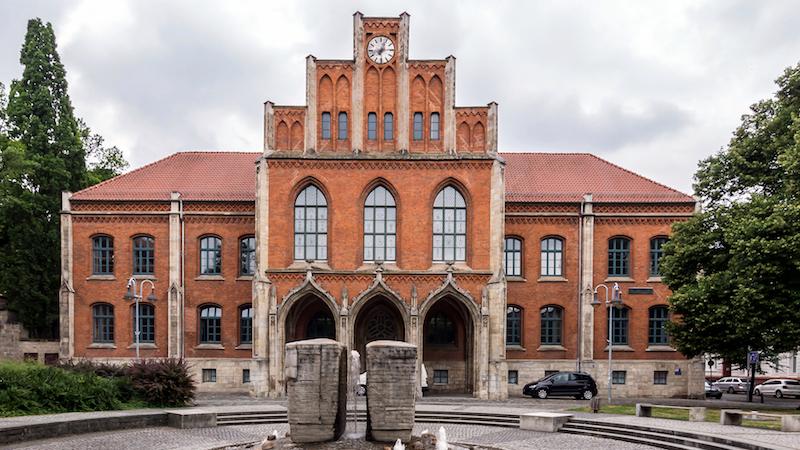 Willkommen in Halberstadt! Die Schulliga Harz macht erstmal Station beim SV Martineum. // Foto: Stadt Halberstadt